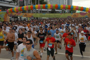 teamfootworks 2011 race dates mercedes benz corporate run series 3 4. Cars Review. Best American Auto & Cars Review
