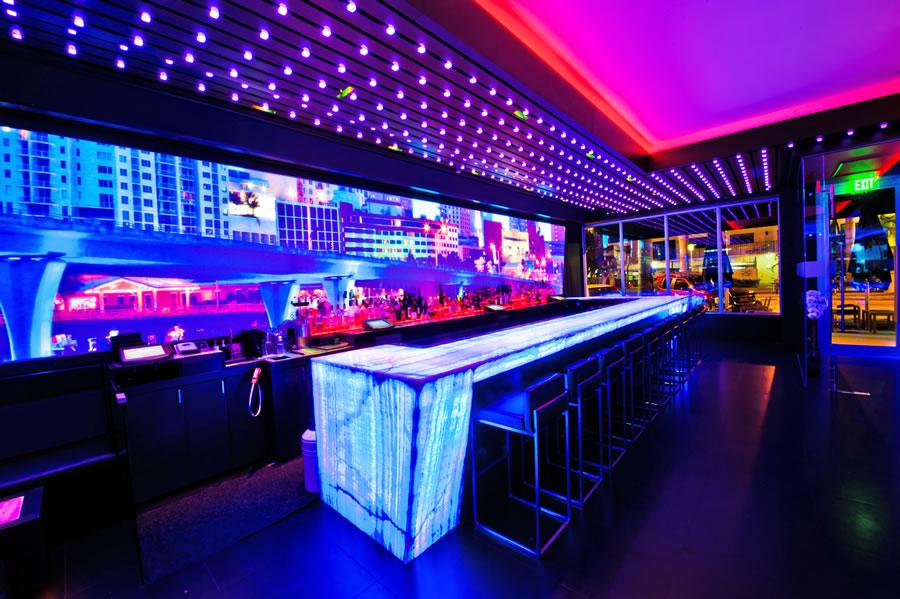 Bar Louie Miami Beach